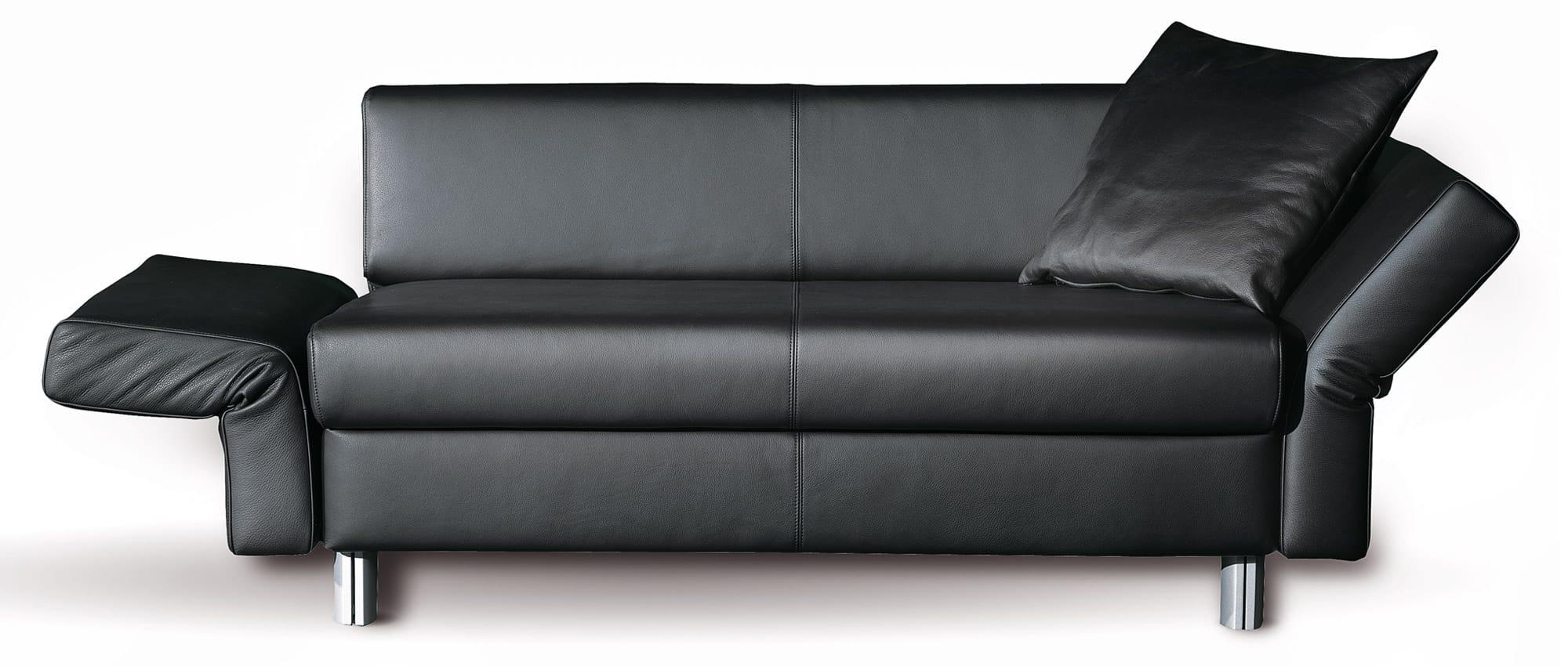 Schlafsofa VIP in Echtleder von Franz Fertig mit klappbaren Armlehnen. Sofa mit Gästebettfunktion. Schlafsofa in Leder.