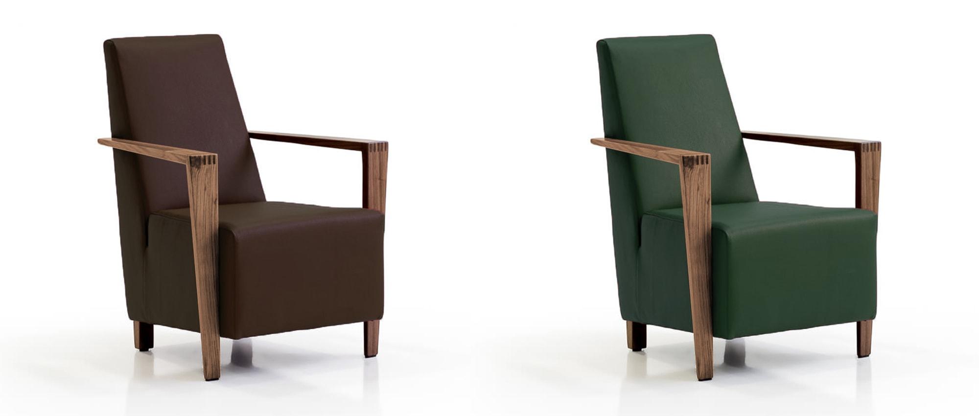 DRESDEN Sessel von Franz Fertig in Leder braun und grün mit Holzarmlehnen.