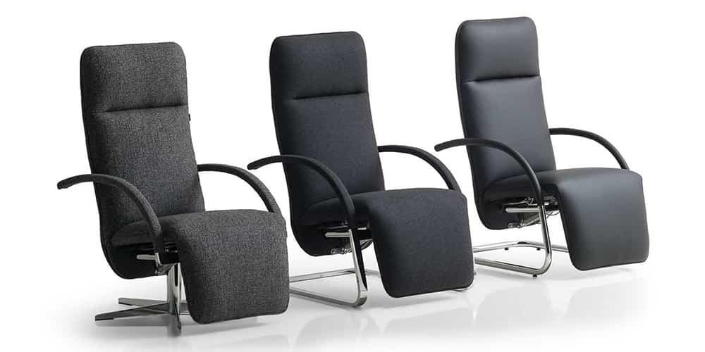 FINO XL, FINO Relaxsessel von Franz Fertig in schwarz mit Flachstahl Gestell. Rundrohrgestell auch möglich. Designer Sessel von Franz Fertig.