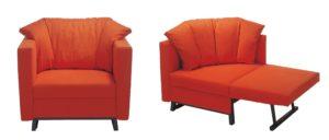 Der Schlafsessel FOX von Franz Fertig mit Winkelbodenkissen in orange
