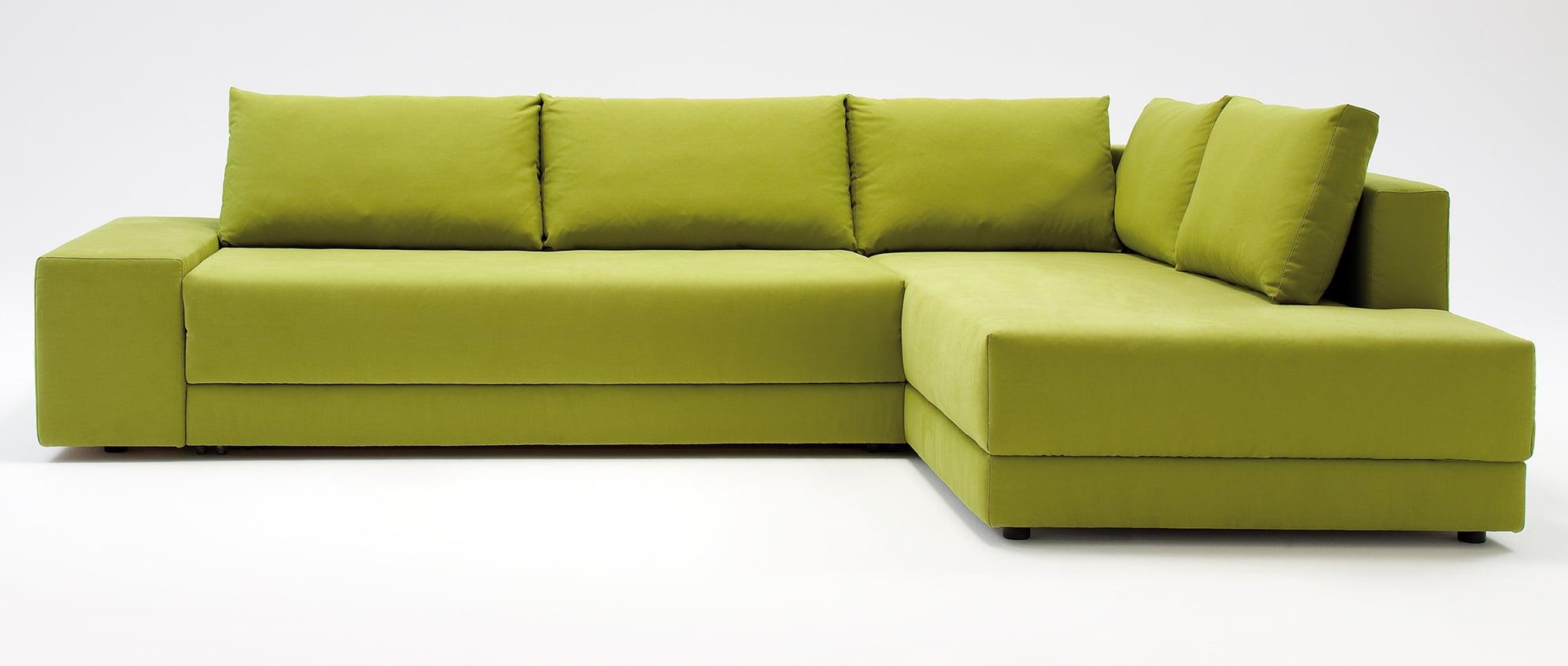 CONFETTO Eckschlafsofa mit Bettkasten in grün von Franz Fertig. Gästebett für 2 Personen. Sofa mit Bettfunktion.