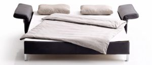 CUBISMO Schlafsofa von Franz Fertig in Leder schwarz. Gästebett für 2 Personen. Liegefläche ca. 130x210 cm und ca. 150x210 cm.
