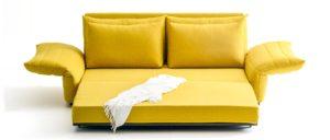 ZERO Schlafsofa von Franz Fertig in der Relaxposition - Liegefläche ca. 150x200 cm. 150x200 cm. Sofa mit Schlaffunktion.