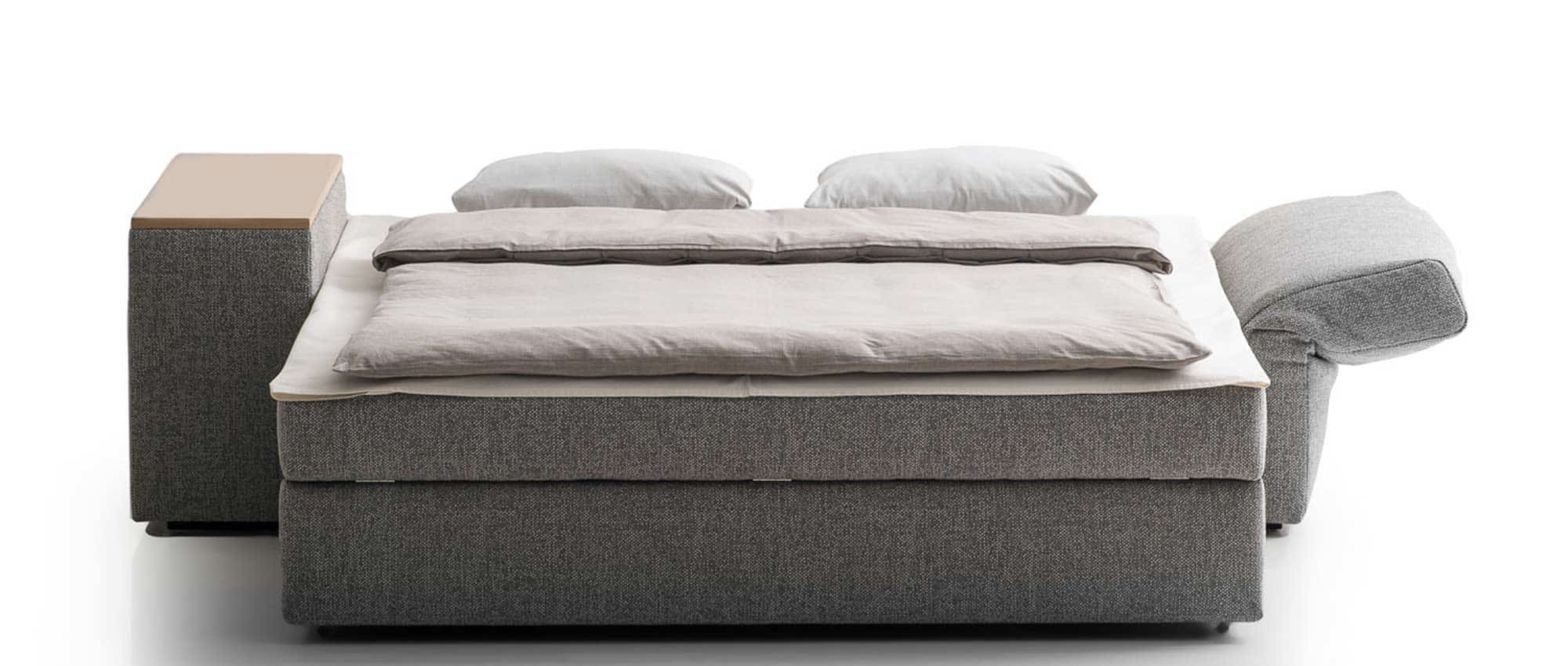 GIACOMO Schlafsofa mit Bettkasten von Franz Fertig - Liegefläche ist in ca. 140x200 cm und ca 150x200 cm wählbar. Ideales Gästebett für 2 Personen.