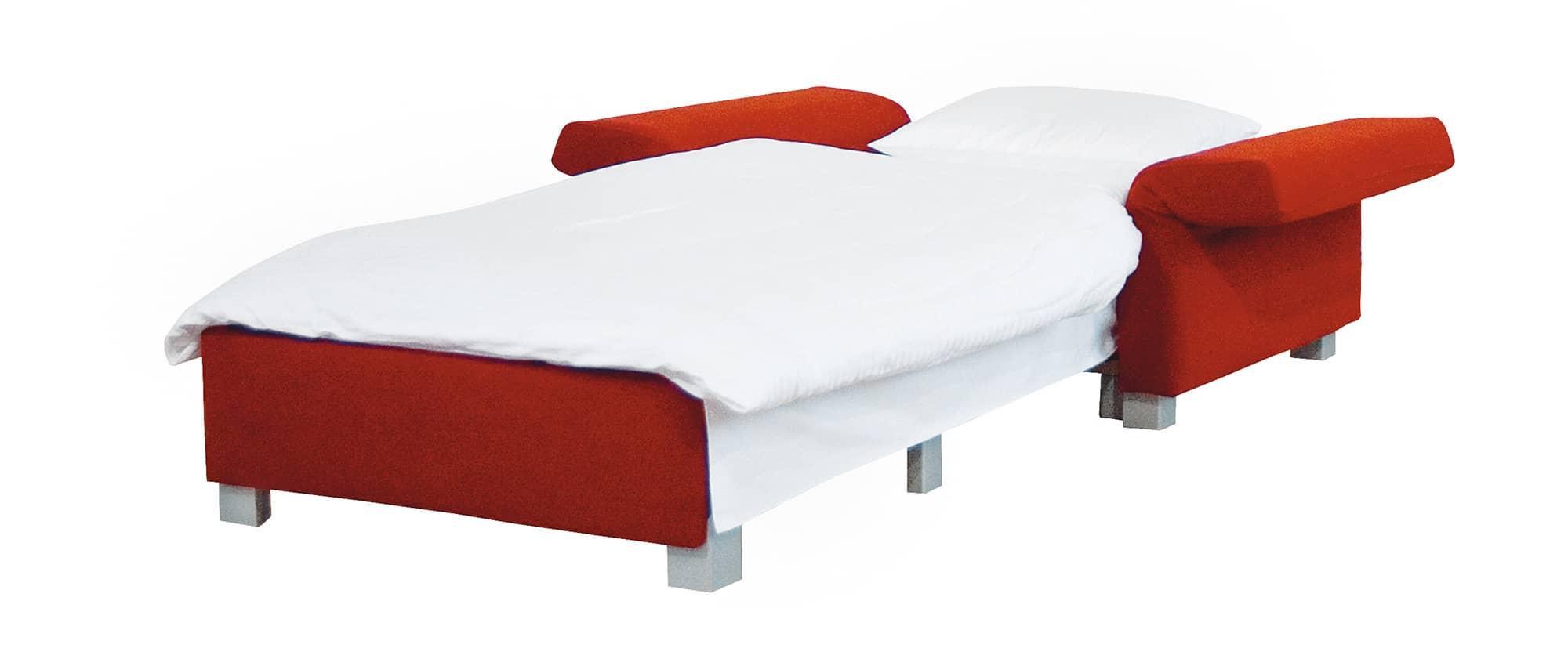 MINNIE Schlafsessel von Franz Fertig - Liegefläche ca. 75x200 cm. Platzsparender Schlafsessel. Sessel mit Schlaffunktion. Sessel rot mit Klappbaren Armlehnen