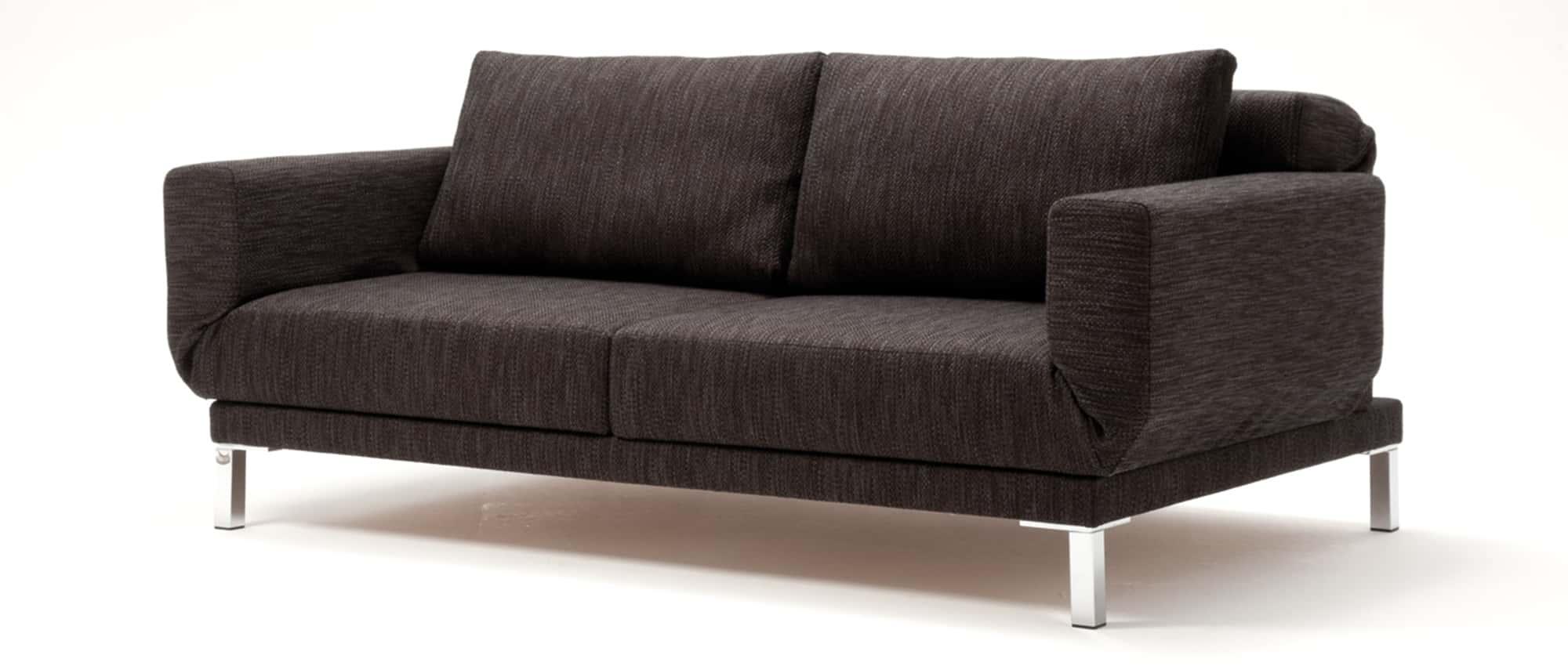RIGA XL, RIGA Schlafsofa von Franz Fertig. Multifunktionales sofa. Sofa mit Bettfunktion. Relaxposition, Loungeposition und Schlafposition.