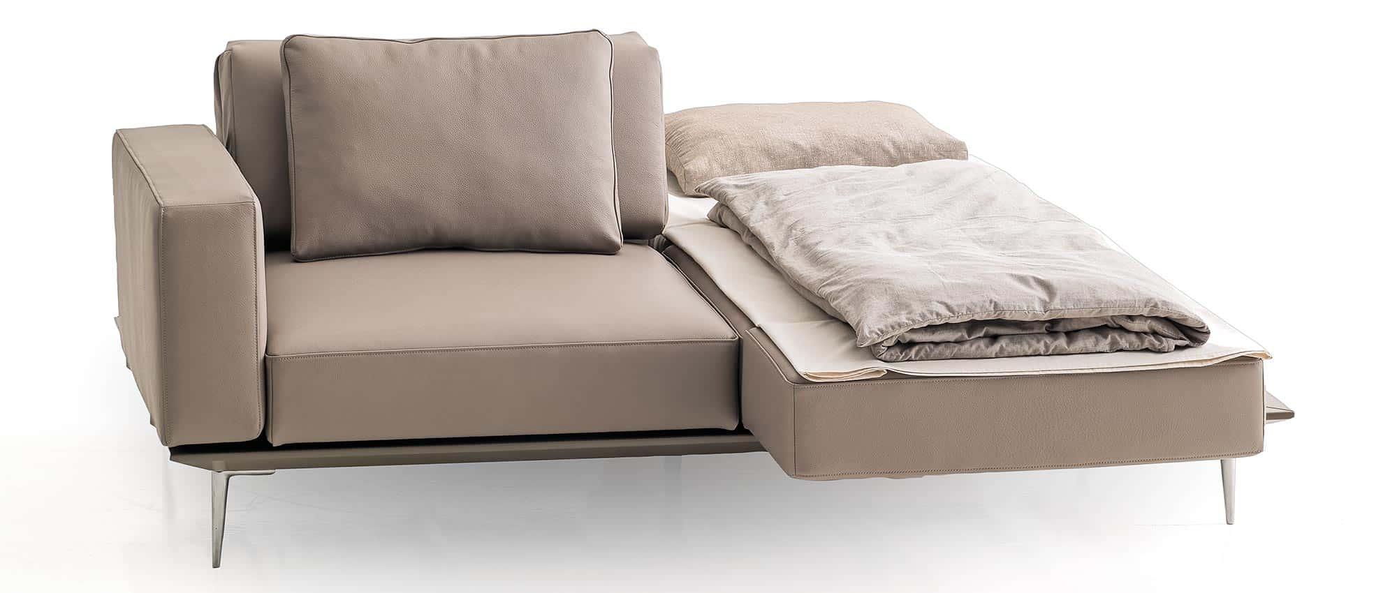 MILAN Schlafsofa von Franz Fertig - Liegefläche ca. 80x200 cm. Einzelbett und Doppelbett. Klappbare Armlehnen.