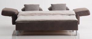 VIP Schlafsofa in Echtleder von Franz Fertig - Liegefläche in ca. 130x200 cm, ca. 150x200 cm und ca. 180x200 cm erhältlich. Leder braun aber auch in schwarz, grün, grau, gelb, rot usw. erhältlich.